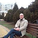 Viktor, 44 года