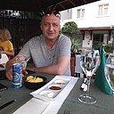 Павел, 46 лет