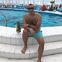 Mohamed Elzouk, 33 года