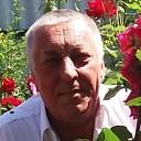 Толик, 61 год
