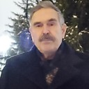 Viktor, 63 года