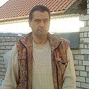 Юрий Жидков, 48 лет